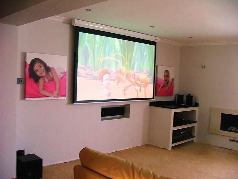 01 Different types of projector Screens 02 Electric Projector Screens
