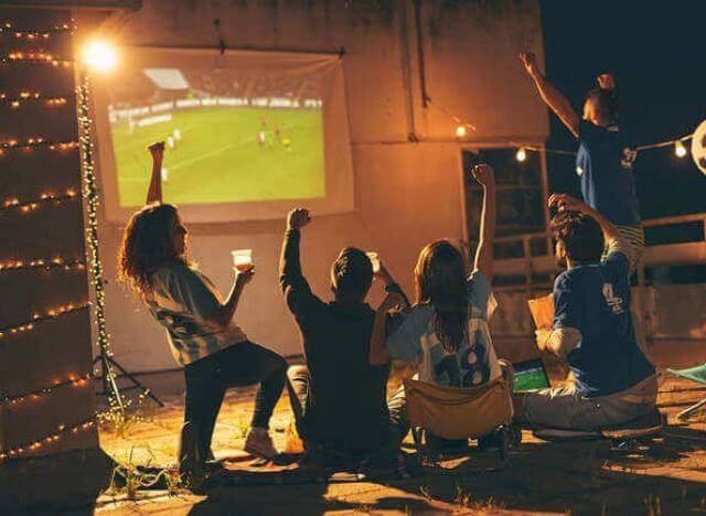 03 - 10 Gadgets for an Amazing Backyard Movie Night Experience 00