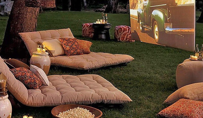 06 Plan the Best Backyard Movie Party Ever 02