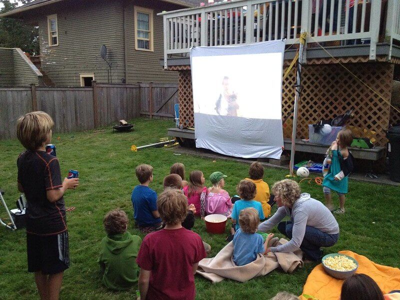 06 Plan the Best Backyard Movie Party Ever 03