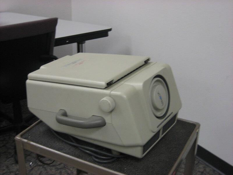 01 opaque projector