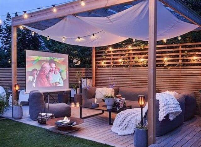 Should You Build a Gazebo for Your Outdoor Projector